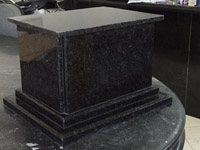 Urna funerária de granito